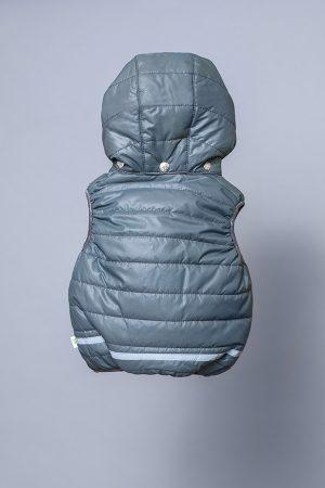 недорогая жилетка с капюшоном серая для мальчика