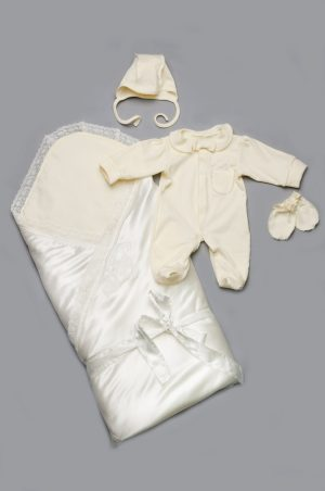 купить комплект на выписку конверт комбинезон человечек чепчик царапки для новорожденных
