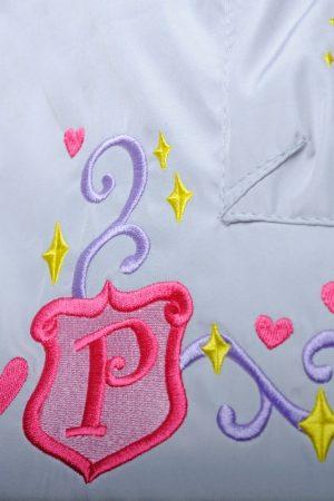 качественный конверт с вышивкой в автокресло для девочки