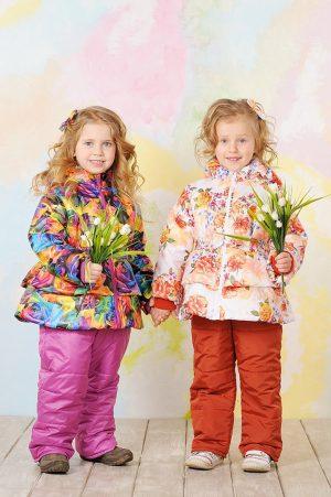 недорогая цветочная куртка демисезонная для девочки