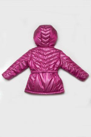недорогая куртка с простежкой для девочки малиновая