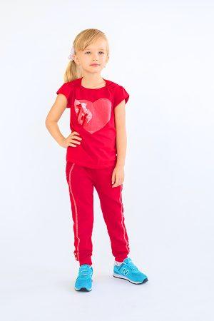 детские спортивные брюки футболка с сердцем красная