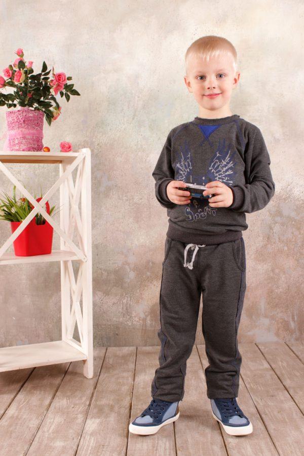 костюм в спортивном стиле для мальчика серый