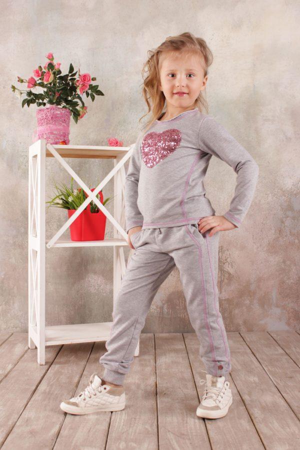 недорогой реглан брюки серые для девочки