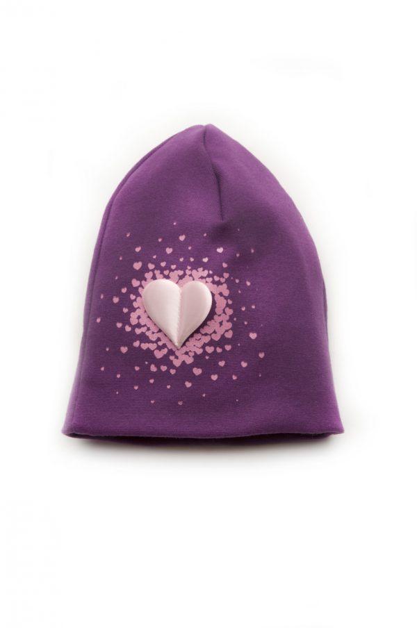 детская сиреневая шапочка с сердцем