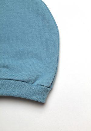 детская голубая трикотажная шапочка для новорожденного