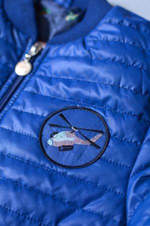 недорогая детская куртка деми с шевроном