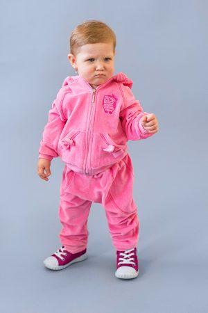 розовый костюм из велюра для девочки