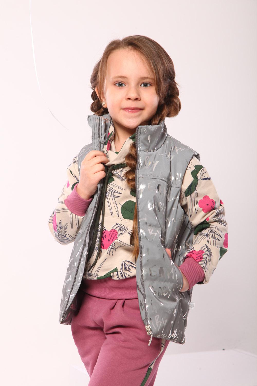 Мода для маленьких: какой должна быть жилетка для девочки ?